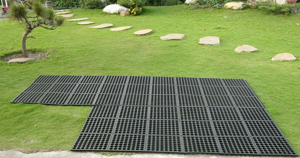 Interlocking Outdoor Mats